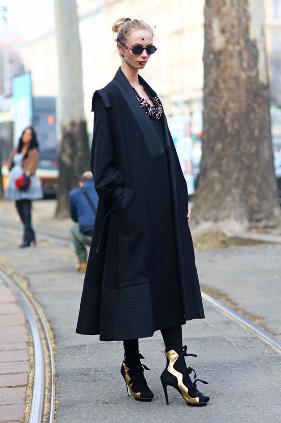 Veiled Lady, Milan