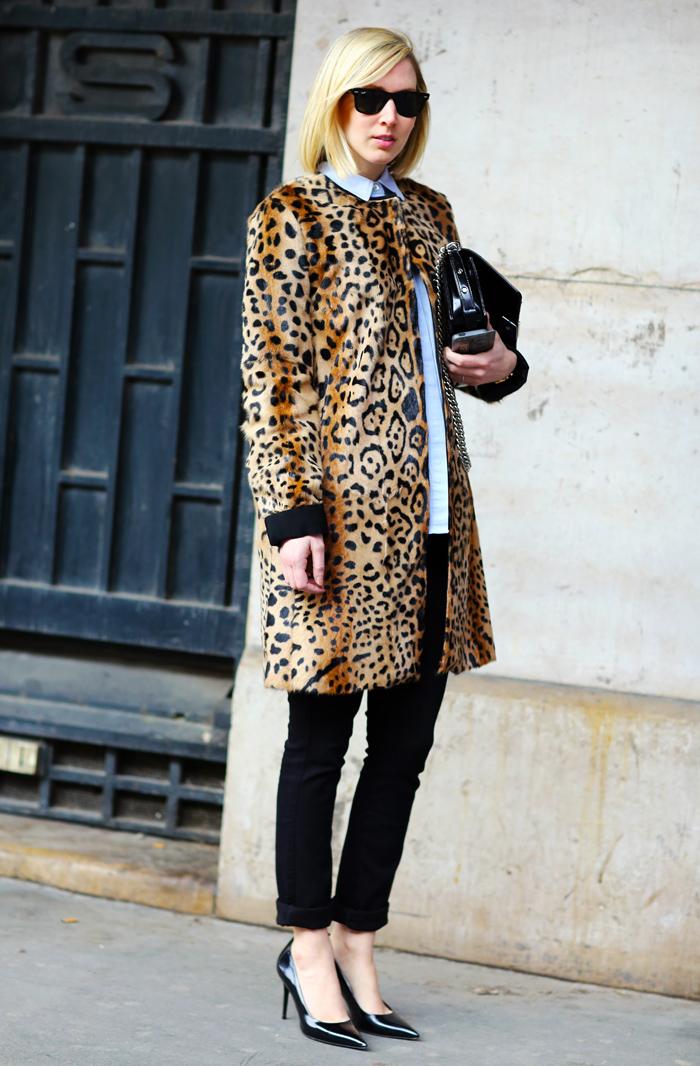 246b59f66bd8 Jane Keltner de Valle, Leopard Coat | Street Fashion | Street Peeper ...