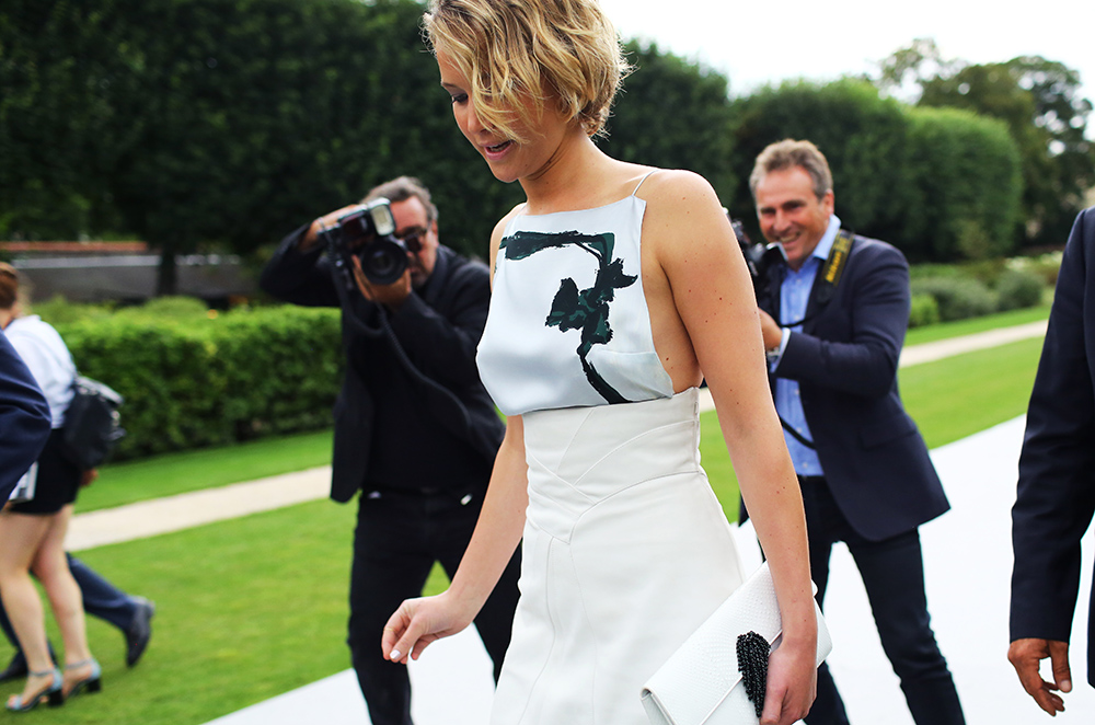 jennifer-lawrence-dior-couture-streetpeeper.jpg