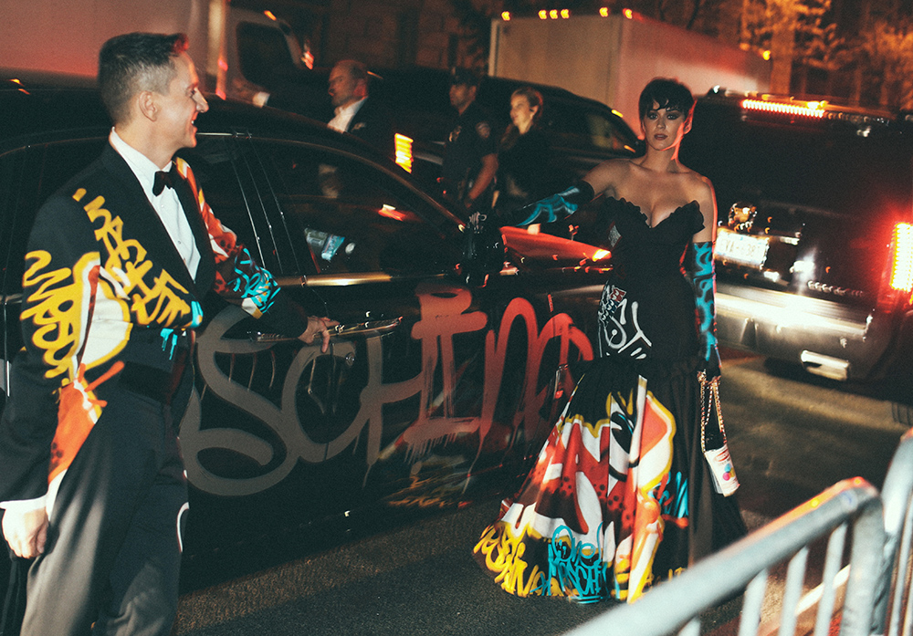 katy-perry-moschino-car-met-gala.jpg