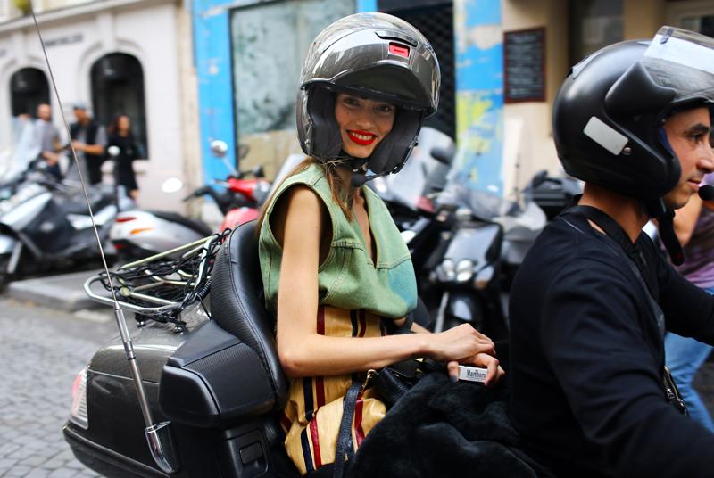 marine-deleeuw-moped.jpg