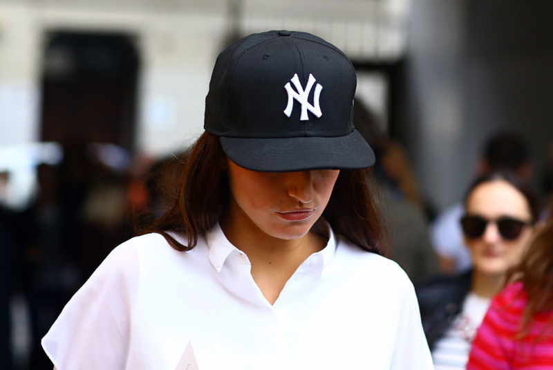 ny-yankees-hat-model.jpg